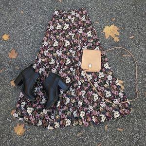 Vintage 90's Floral A-LINE Button-Up Midi Skirt
